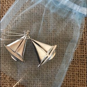 Jewelry - Silver sailboat earrings!